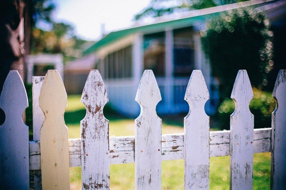 picket-fences-349713_1920 (Medium)